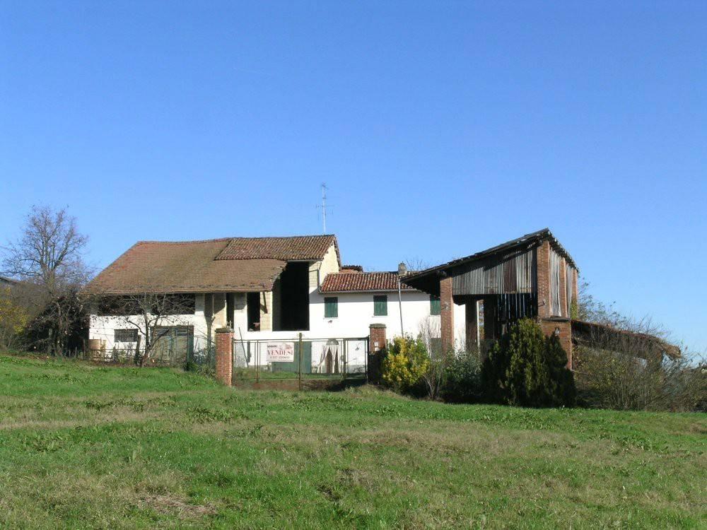 Rustico / Casale in vendita a Conzano, 5 locali, prezzo € 130.000 | PortaleAgenzieImmobiliari.it