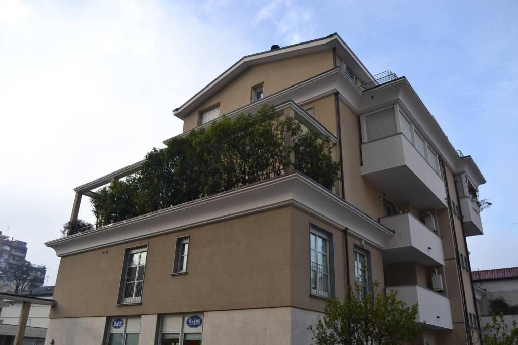 Appartamento in vendita a Seregno, 3 locali, prezzo € 350.000 | PortaleAgenzieImmobiliari.it