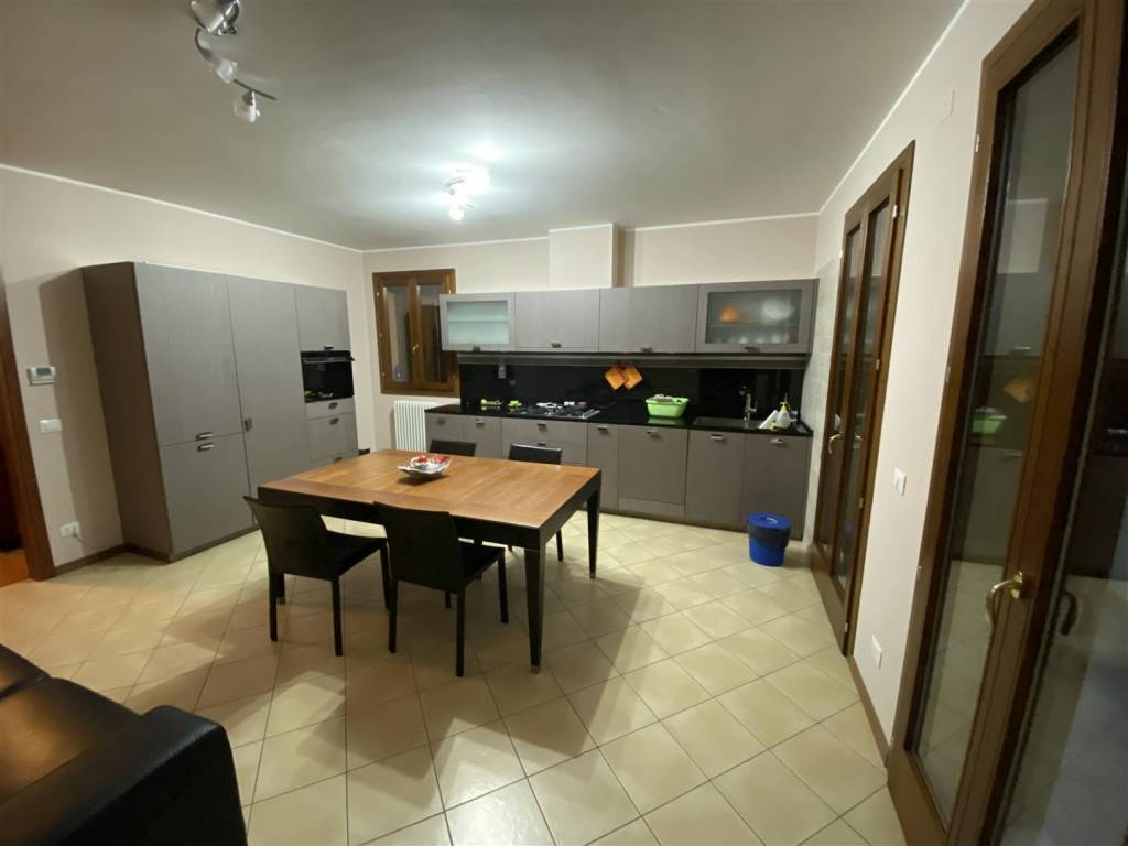 Appartamento in vendita a Campodarsego, 4 locali, prezzo € 200.000 | PortaleAgenzieImmobiliari.it
