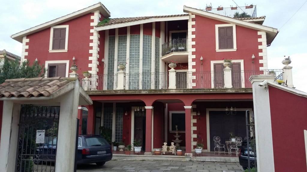 Villa in Vendita a Caltagirone Centro: 5 locali, 400 mq
