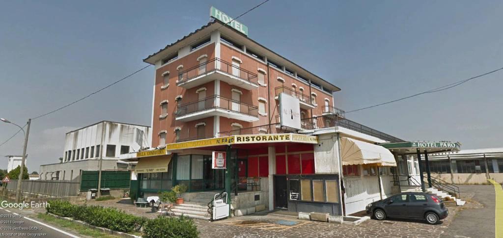 Albergo in vendita a Treviglio, 6 locali, prezzo € 430.000 | CambioCasa.it