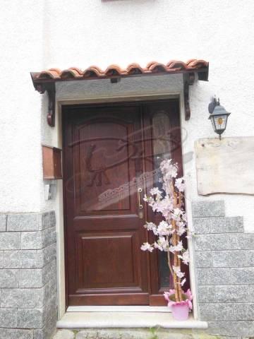Appartamento in ottime condizioni arredato in vendita Rif. 6100201