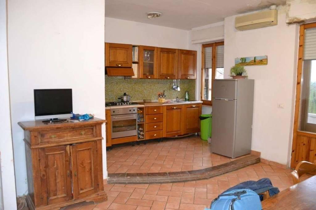 Appartamento in buone condizioni in vendita Rif. 5723828