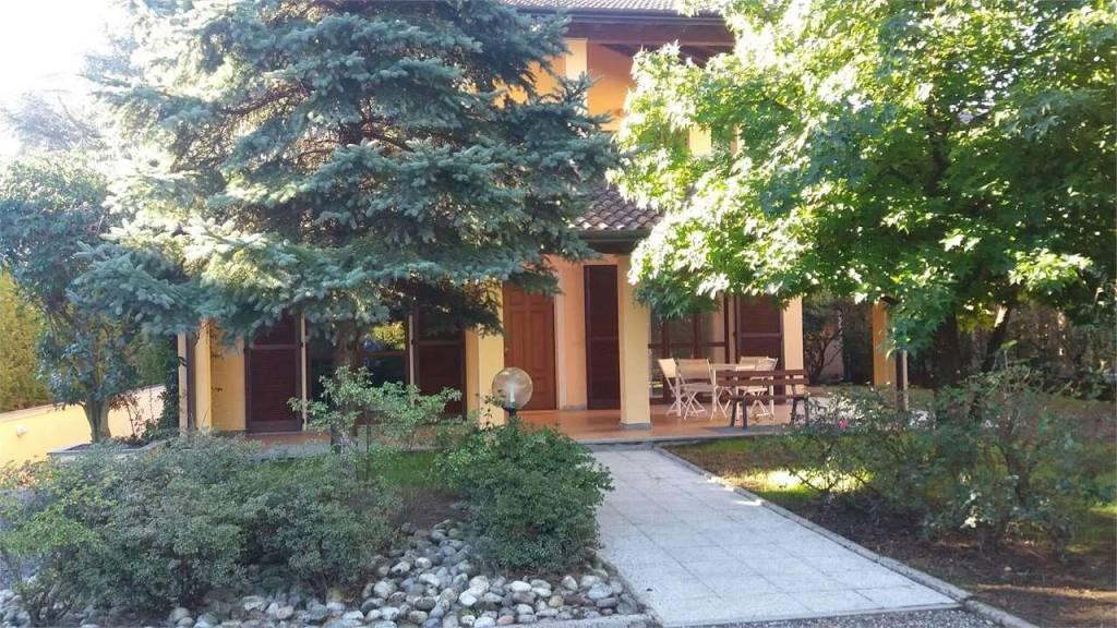 Villa in ottime condizioni in vendita Rif. 8172459