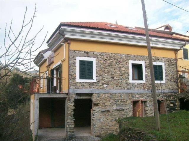 Appartamento in vendita a Garlenda, 3 locali, prezzo € 180.000 | CambioCasa.it