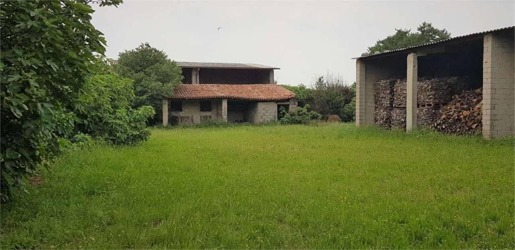 Rustico / Casale da ristrutturare in vendita Rif. 6775806