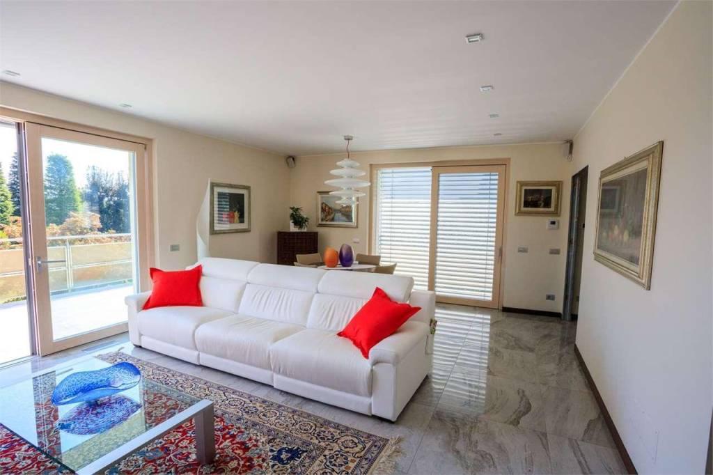 Villa in vendita a Cadorago, 6 locali, prezzo € 820.000   PortaleAgenzieImmobiliari.it