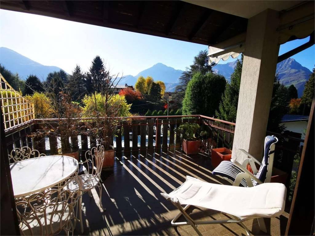 Appartamento in buone condizioni parzialmente arredato in vendita Rif. 8030500
