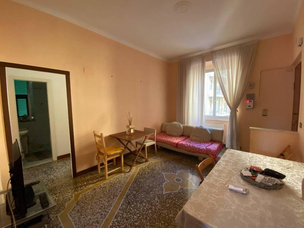 Foto 1 di Quadrilocale via Gian Battista Gaulli, Genova (zona S.Fruttuoso-Borgoratti-S.Martino)