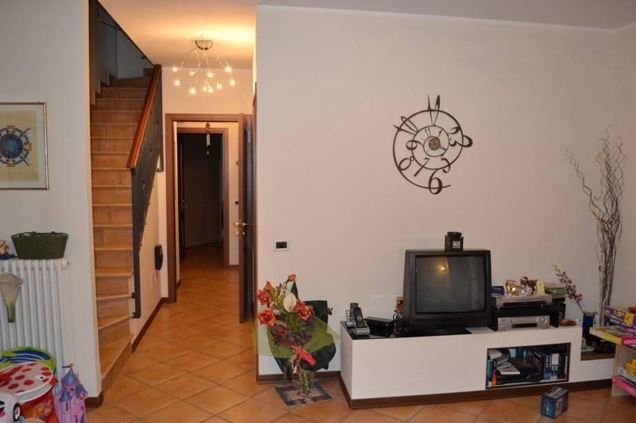 Appartamento in vendita a Sant'Ilario d'Enza, 4 locali, prezzo € 215.000 | PortaleAgenzieImmobiliari.it