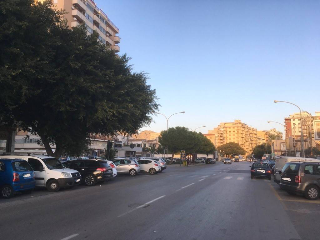 Appartamento in Affitto a Palermo Centro: 5 locali, 145 mq