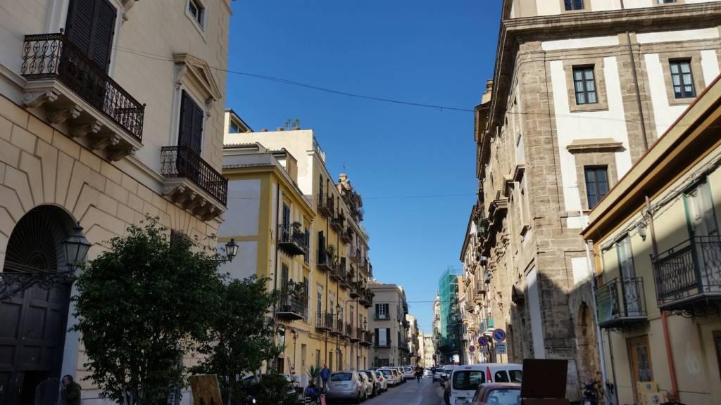 Appartamento in Vendita a Palermo Centro: 2 locali, 65 mq