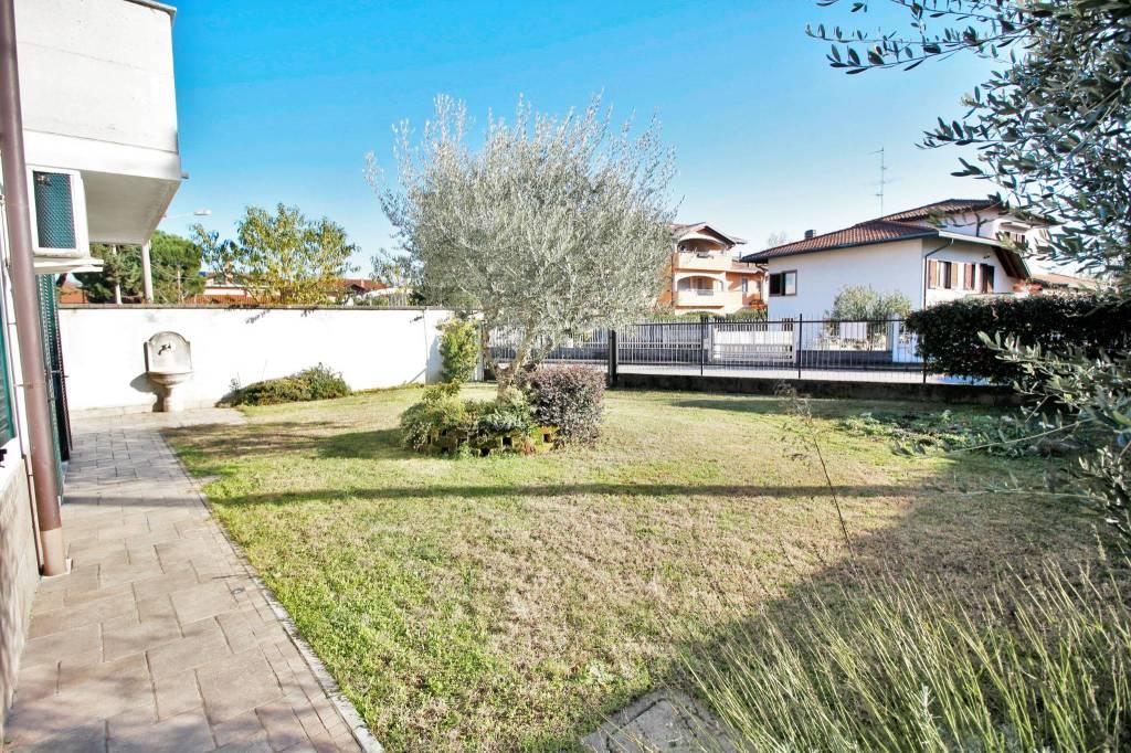 Villa in vendita a Marnate, 4 locali, prezzo € 370.000 | PortaleAgenzieImmobiliari.it