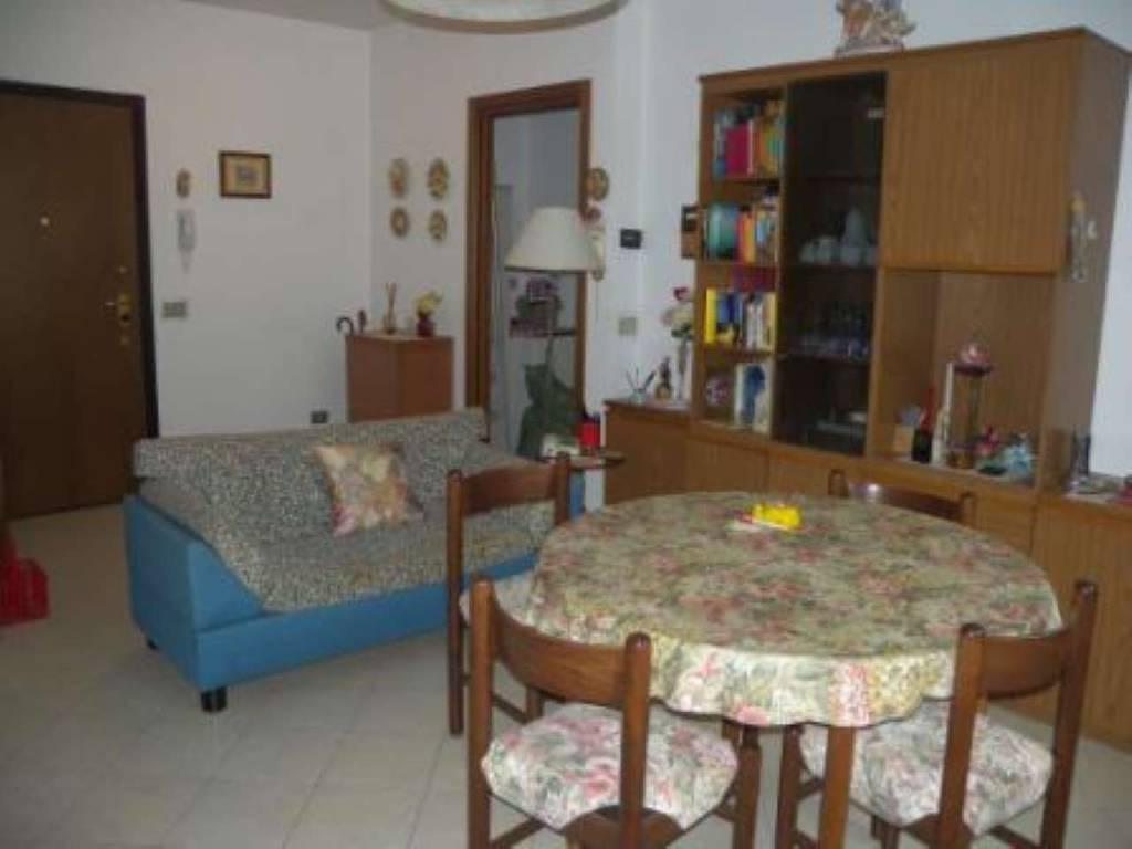 Appartamento in vendita a Gerenzano, 2 locali, prezzo € 69.000 | PortaleAgenzieImmobiliari.it