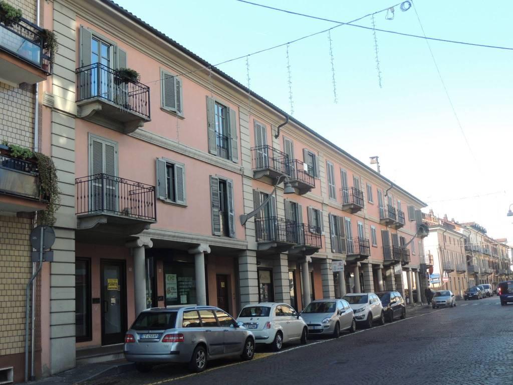 Appartamento in ottime condizioni in vendita Rif. 9052649