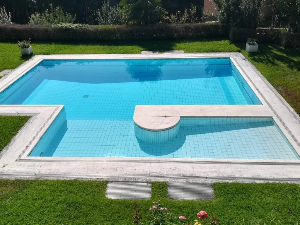 Villa in vendita a Pianezza, 9999 locali, Trattative riservate | CambioCasa.it