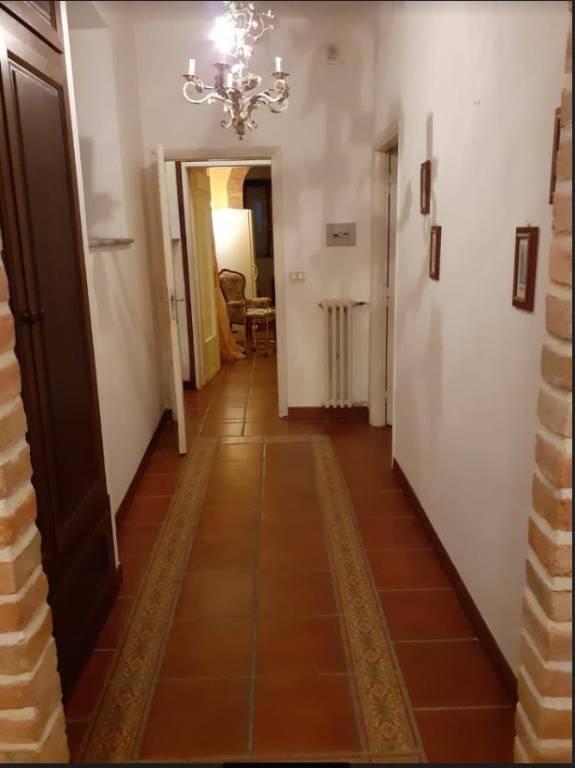 Appartamento in buone condizioni in vendita Rif. 8469345