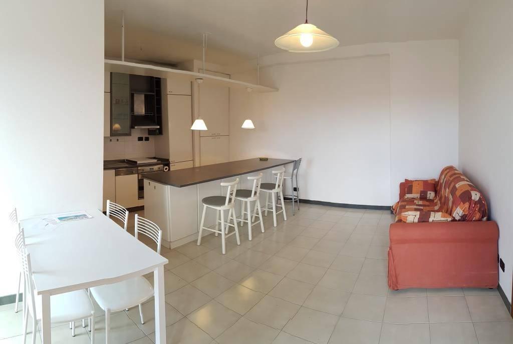 Appartamento in ottime condizioni parzialmente arredato in vendita Rif. 9140514