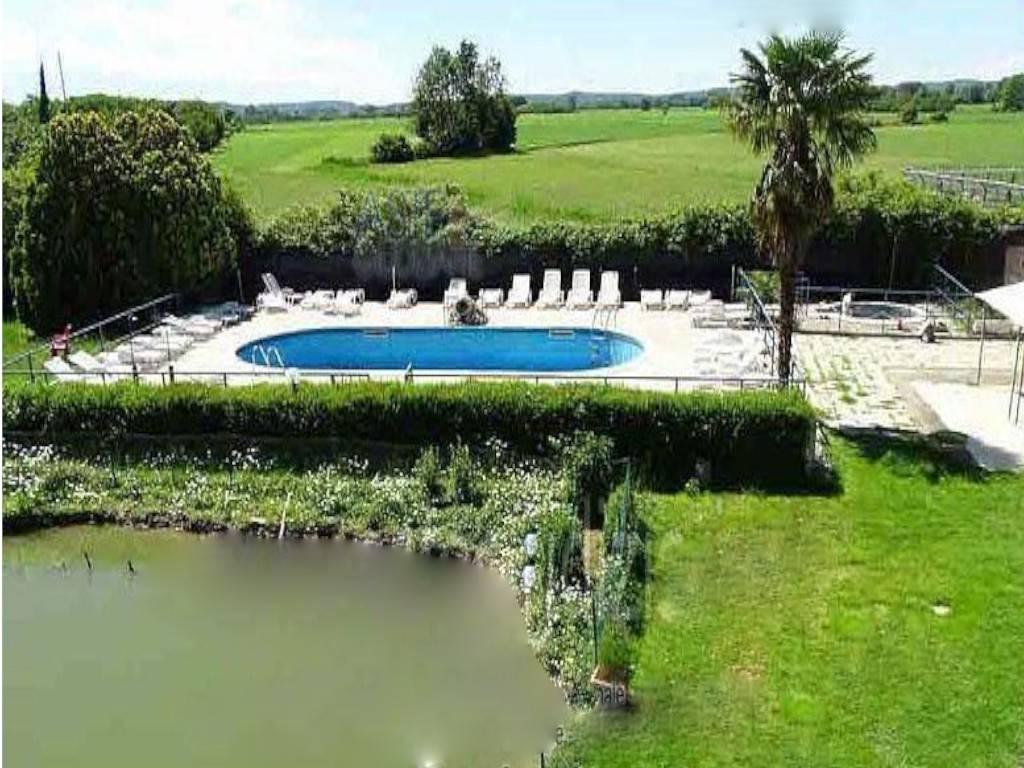Villa in vendita a Vestignè, 13 locali, prezzo € 156.000 | CambioCasa.it