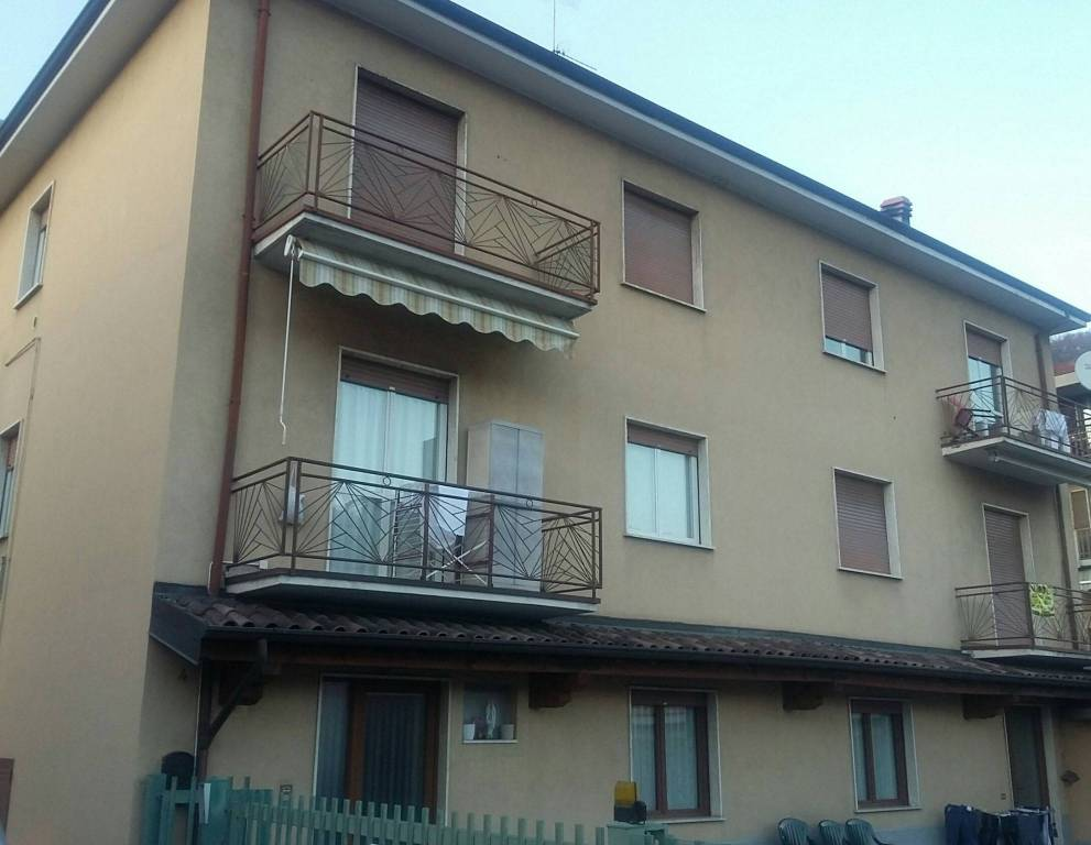 Appartamento in vendita a Albino, 4 locali, prezzo € 69.000 | PortaleAgenzieImmobiliari.it