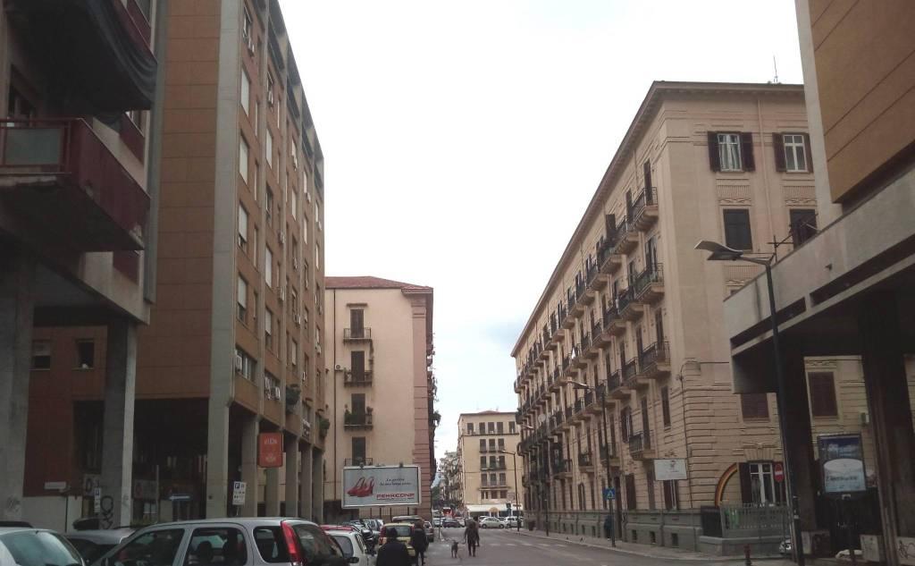 Appartamento in Vendita a Palermo Centro: 3 locali, 140 mq