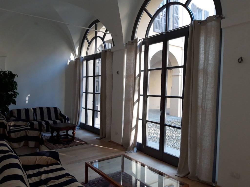 Appartamento in affitto a Chieri, 6 locali, prezzo € 1.300 | CambioCasa.it
