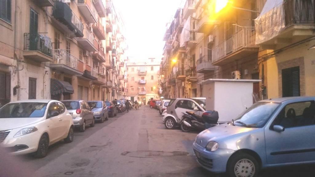 Appartamento in Vendita a Palermo Centro: 2 locali, 80 mq