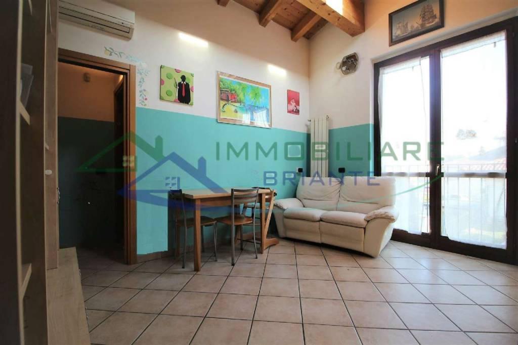 Appartamento in vendita a Somma Lombardo, 3 locali, prezzo € 89.000   CambioCasa.it