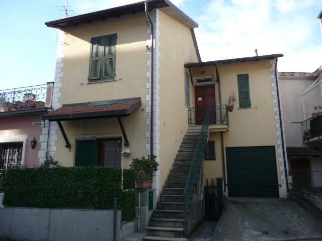 Appartamento in vendita a Rapallo, 3 locali, prezzo € 145.000   CambioCasa.it