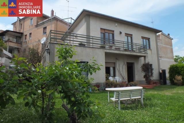 Villa 6 locali in vendita a Castelnuovo di Farfa (RI)