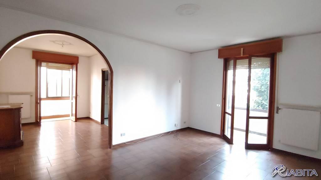 Appartamento in Affitto a Gossolengo Centro: 3 locali, 100 mq
