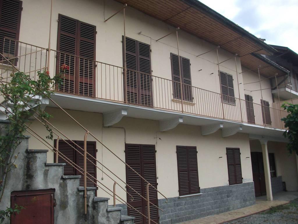 Rustico / Casale in vendita a Almese, 8 locali, Trattative riservate   CambioCasa.it