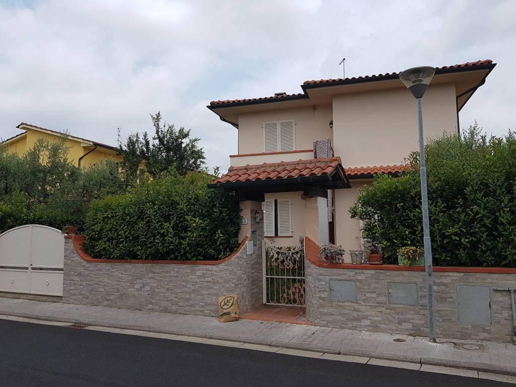Villa in Vendita a Calcinaia: 5 locali, 130 mq