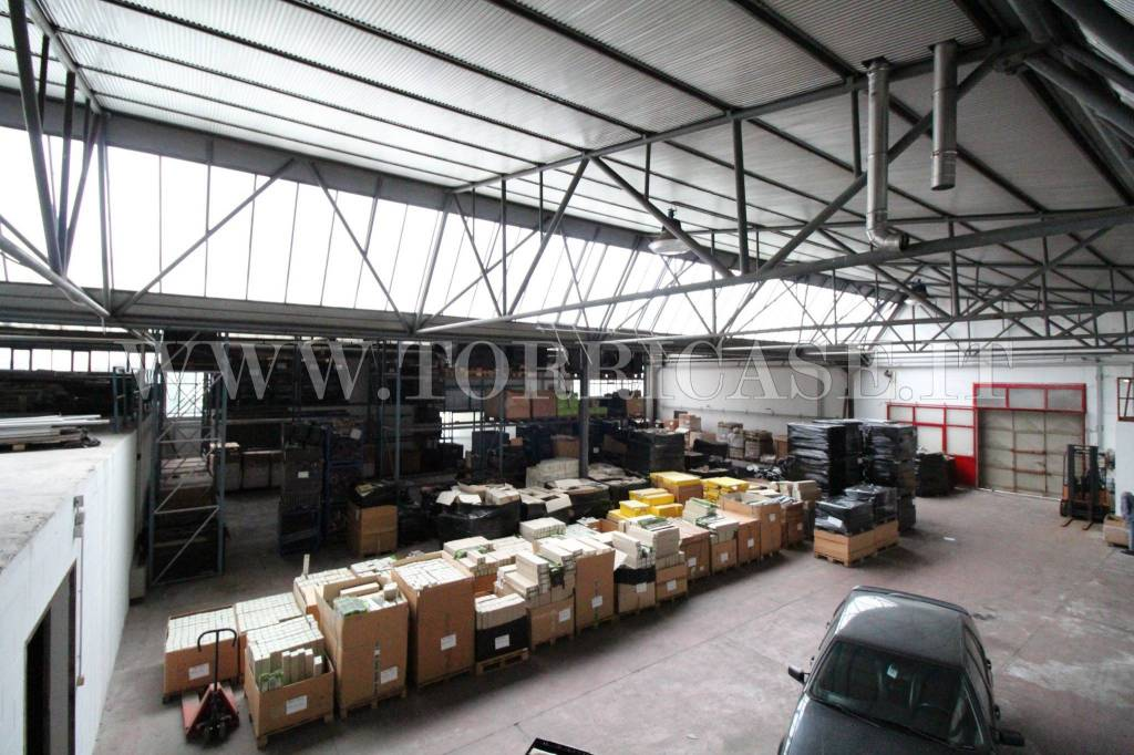 Capannone in vendita a Albano Sant'Alessandro, 4 locali, prezzo € 620.000 | PortaleAgenzieImmobiliari.it