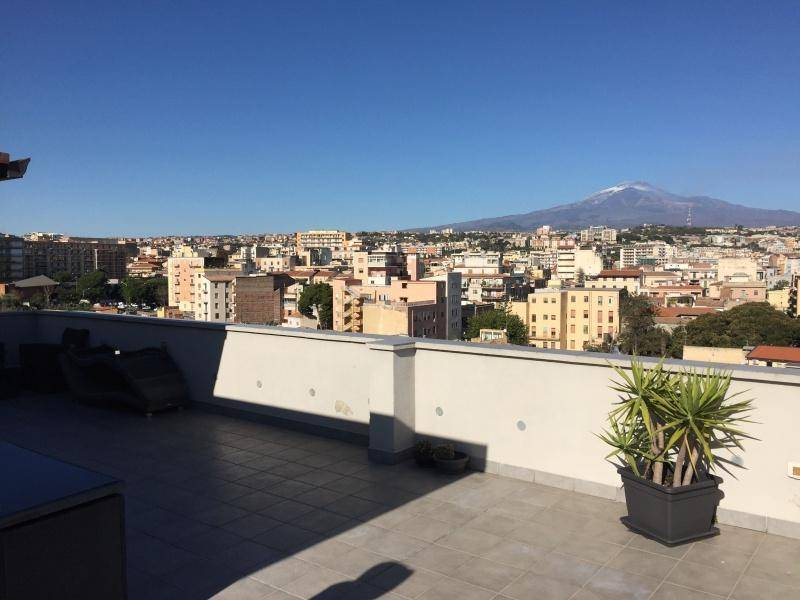 Attico in Vendita a Catania Centro: 5 locali, 160 mq