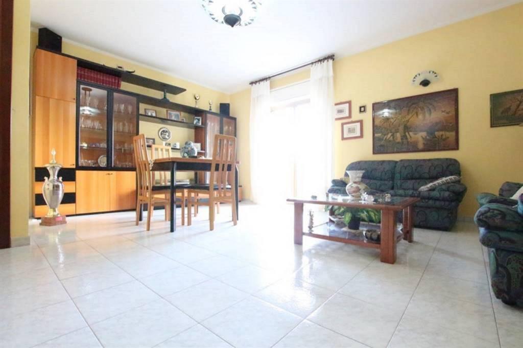 Appartamento in Vendita a Gravina Di Catania Centro: 5 locali, 115 mq