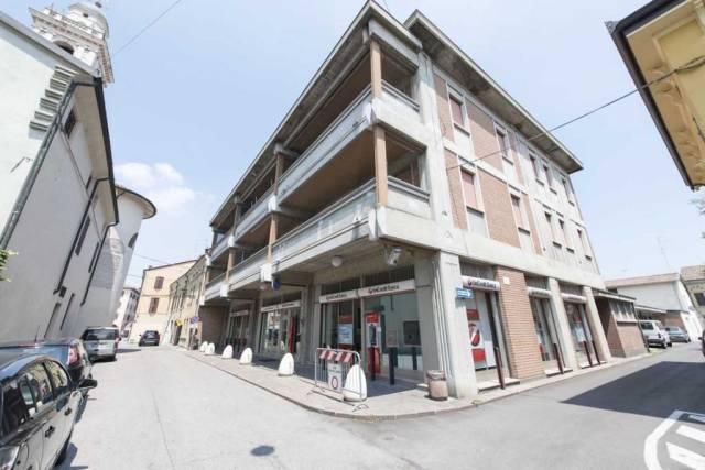 Appartamento in buone condizioni in vendita Rif. 4482869