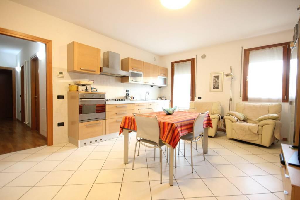 Appartamento in vendita a Vicenza, 3 locali, prezzo € 115.000 | CambioCasa.it