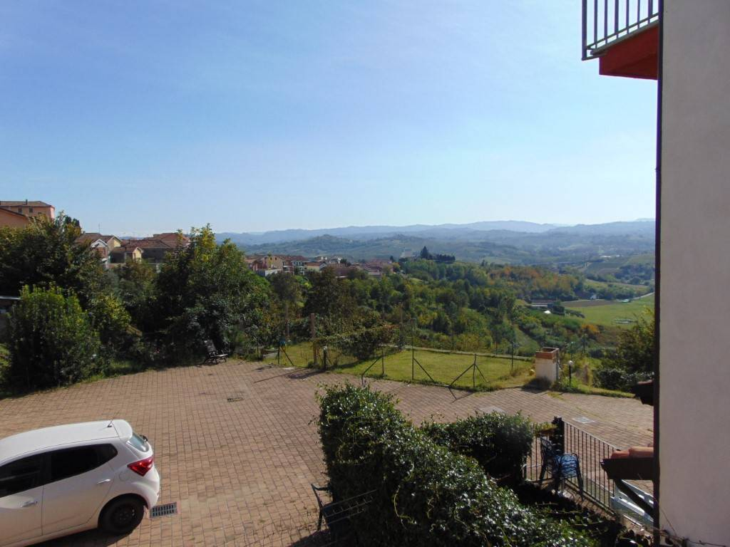 A Castelnuovo Calcea Trilocale  in Vendita