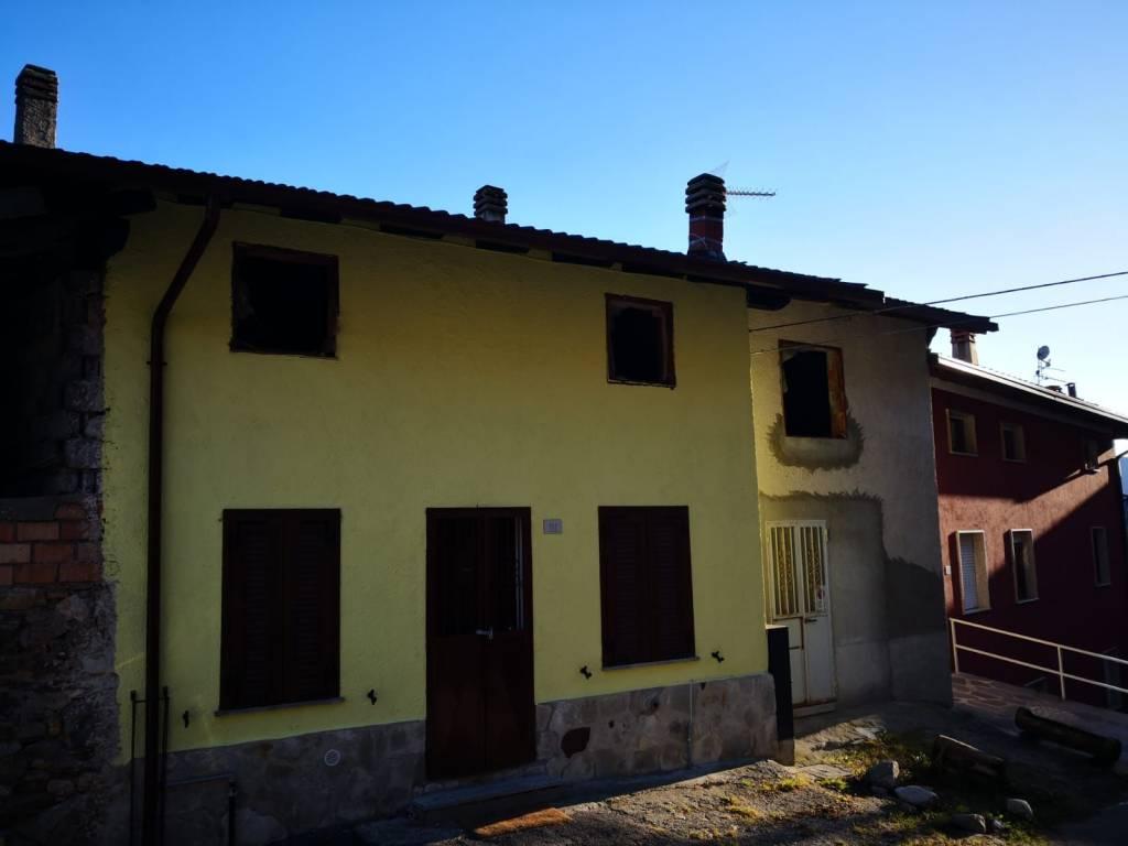 Attico / Mansarda in vendita a Temù, 9999 locali, prezzo € 70.000 | PortaleAgenzieImmobiliari.it