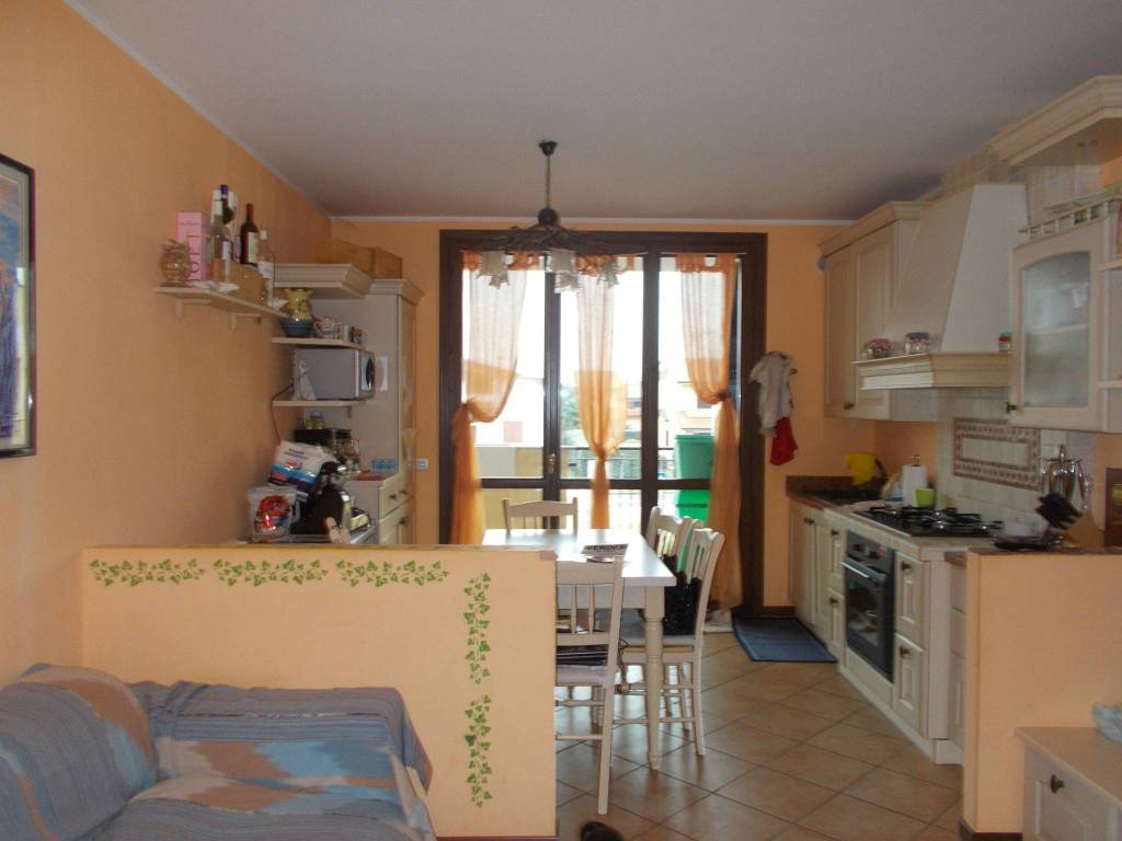 Appartamento in vendita a Roncello, 3 locali, prezzo € 128.000 | CambioCasa.it