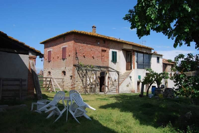 Rustico in Vendita a Castiglione Del Lago Periferia: 5 locali, 300 mq