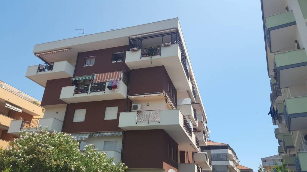 Attico / Mansarda in vendita a Francavilla al Mare, 3 locali, prezzo € 100.000 | PortaleAgenzieImmobiliari.it