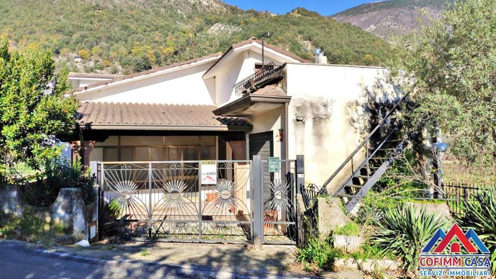 Foto 1 di Villa via San Giorgio, Sora