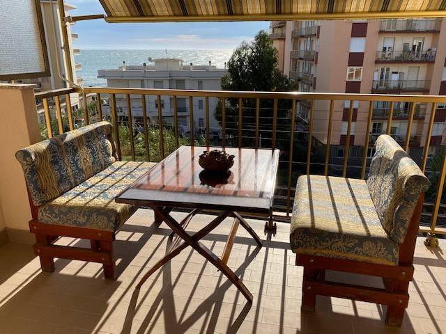 Vallecrosia appartamento vista mare n vendita
