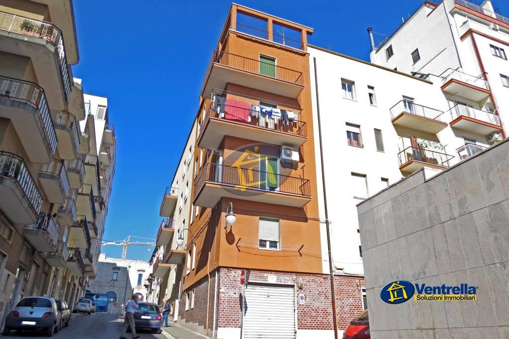Appartamento in buone condizioni in vendita Rif. 8019214