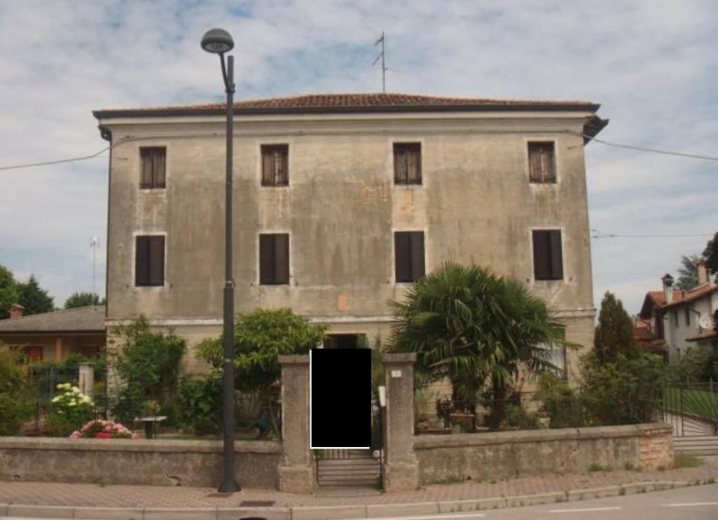 Appartamento in vendita a San Michele al Tagliamento, 7 locali, prezzo € 32.565 | PortaleAgenzieImmobiliari.it