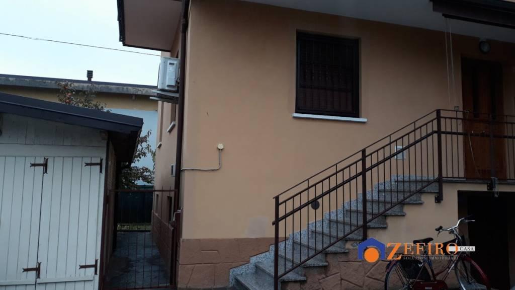 Appartamento in Affitto a San Giovanni In Persiceto Semicentro: 4 locali, 127 mq