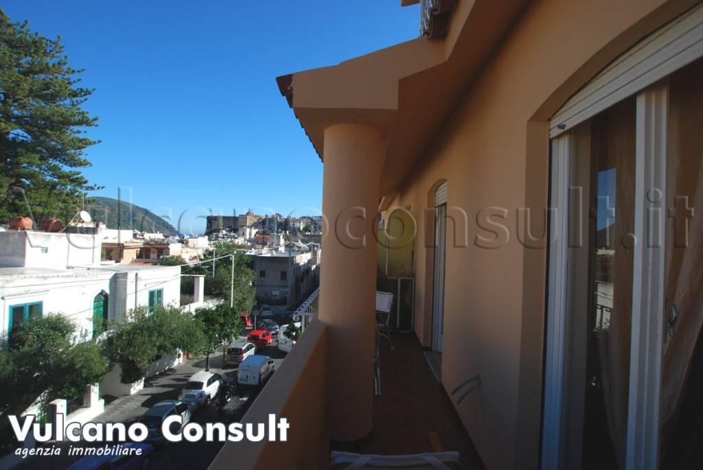 Appartamento in vendita a Lipari, 3 locali, prezzo € 210.000   CambioCasa.it