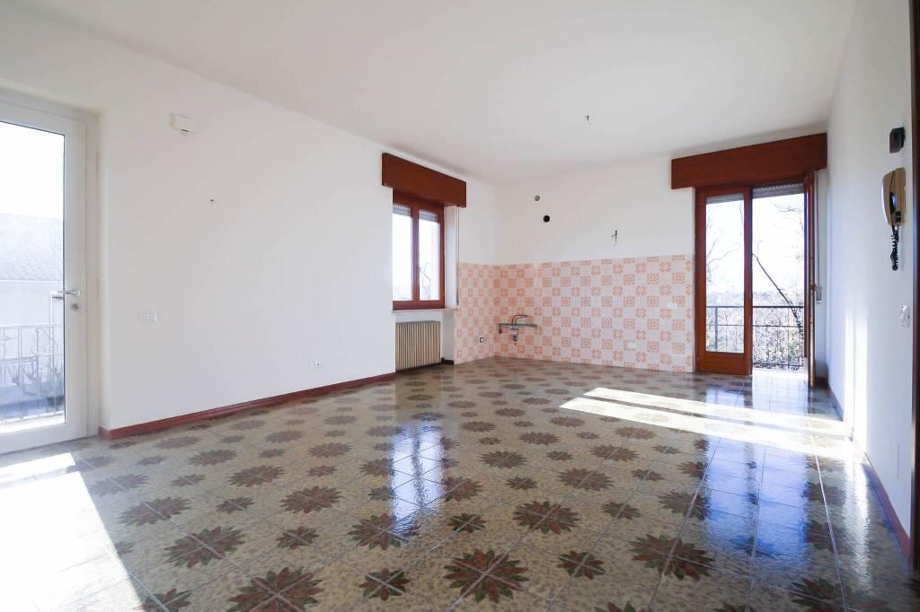 Appartamento in buone condizioni in vendita Rif. 6004173